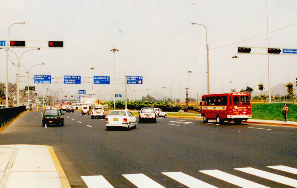 BBE LED Traffic Light in Lima Peru