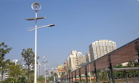 Solar led street light with wind power